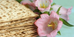 matso bread with flowers